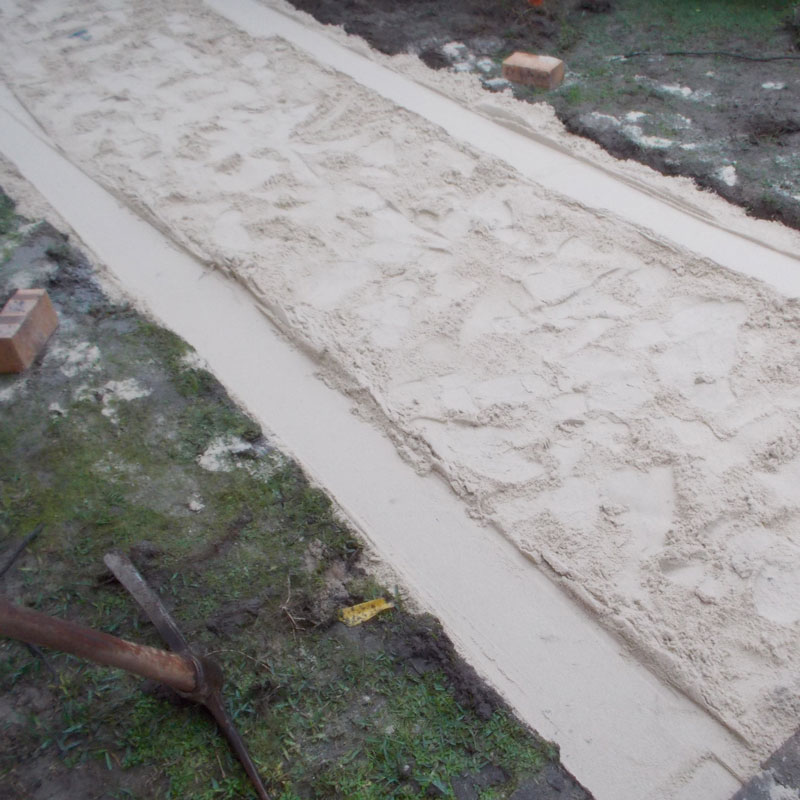 Lay some brick paving in your garden 12