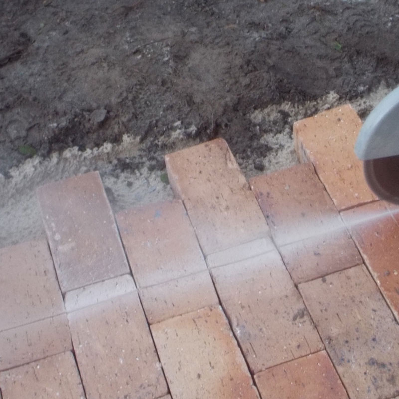 Lay some brick paving in your garden 20