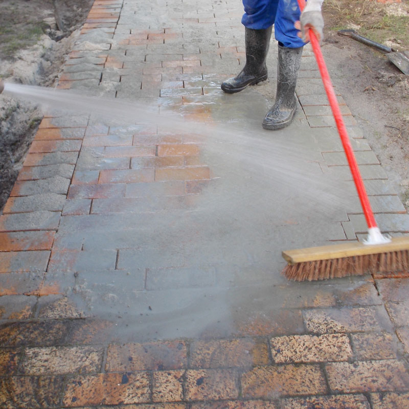 Lay some brick paving in your garden 23