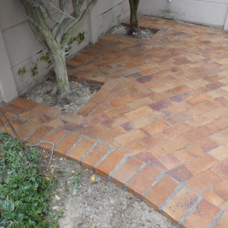 Lay some brick paving in your garden 30
