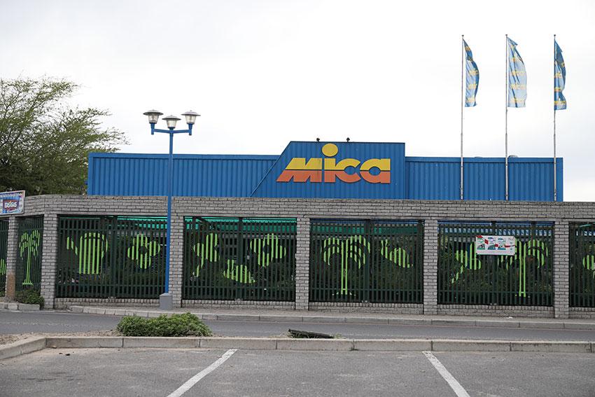 Bracken Mica Storefront